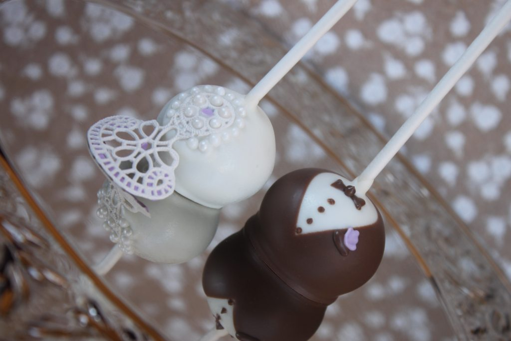 learn to make Tuxedo Wedding favor cake pops with SugarVeil Icing Bride and groom