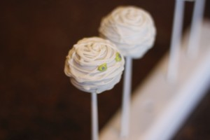 Mummy Cake Pops6