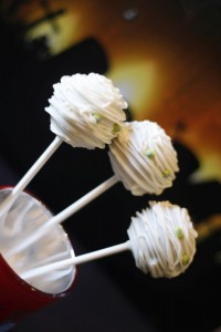 Mummy Cake Pops7