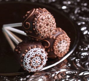 Vintage Cake Pops made with sugarveil icing and gold pearl dust