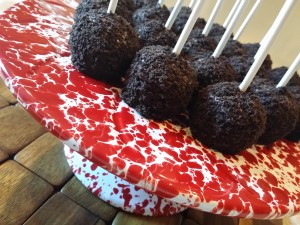 Easy Oreo Crusted Cake Pops By HCP Easy Roller