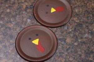 032DIY Turkey Cake Pop Holder by HCP Easy Roller 4