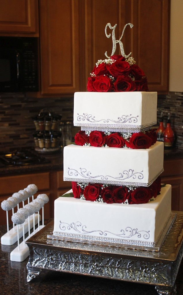 wedding cakes with square and round layers heavenly cake pops square tiered cake 26118
